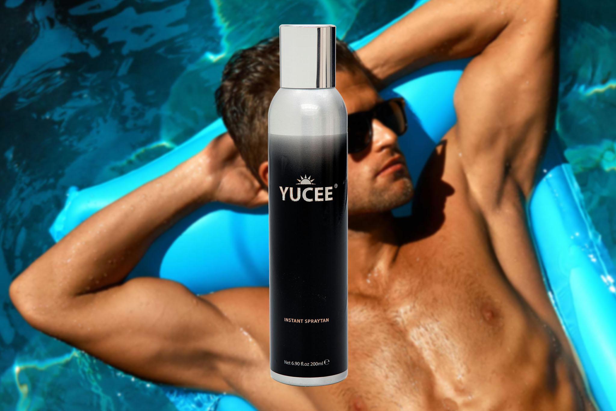 Yucee Tanning Spray met mannelijk model